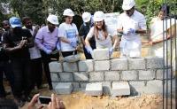 केरल बाढ़ पीड़ितों की मदद के लिए आगे आईं ये एक्ट्रेस, बनवाएंगी 500 घर