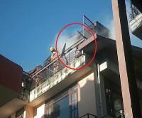 शिमला के संजौली में भीषण अग्निकांड, मकान में रखा सामान जलकर राख (Watch Video)