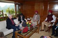 कनाडा कौंसिल जनरल ने किया GNDU का दौरा