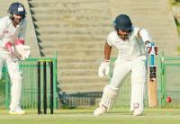 रणजी ट्रॉफी : टूटी ऊंगली से खेले संजू सैमसन, अंपायर के खराब फैसले का हो गए शिकार