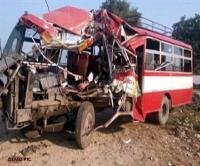 दर्दनाक हादसाः रोडवेज बस और डंपर में भिड़ंत, एक की मौत