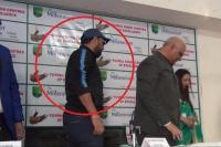 IPL में कीमत क्यों घट गई, सवाल पूछने पर युवराज ने छोड़ी प्रेस कांफ्रैंस
