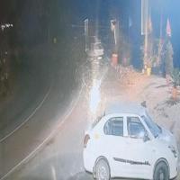 सोलन के कैथलीघाट में हुए कार हादसे का खौफनाक सीसीटीवी वीडियो आया सामने