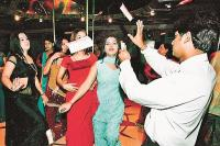 'डांस बार' से पाबंदी हटाना सुप्रीम कोर्ट का सही फैसला