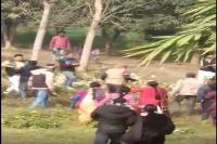 जमीनी विवाद को लेकर 2 पक्षों में जमकर चले लाठी-डंडे, आधा दर्जन से अधिक लोग घायल