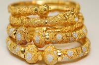 सोना 250 रुपए मजबूत, चांदी पड़ी फीकी