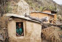 नेपाल में  माहवारी दौरान अलग झोंपड़ी में रखी महिला की मौत