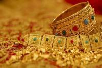 सोना 170 रुपए महंगा, चांदी 410 रुपए की गिरावट