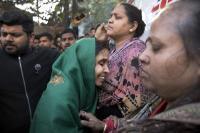 तस्वीरों में देखें दिल्ली के होटल में लगी आग का भयावह मंजर