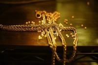 सोना 30 रुपए सस्ता, चांदी 300 रुपए फिसली