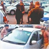 नशे में कार चालक लेडी डाक्टर ने किया हंगामा