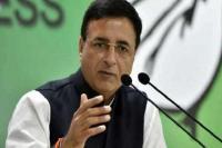 पुलवामा आतंकी हमलाः कांग्रेस ने शुरू की राजनीति, केंद्र सरकार पर साधा निशाना