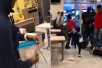 शख्स ने McDonald''s में 1 चूहें से मचाई भगदड़, वीडियो देख छूट जाएंगी हंसी