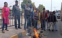 रायबरेली में भी दिखा जवानों की शहीदी पर रोष, पाकिस्तान मुर्दाबाद के लगाए नारे