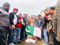 पुलवामा हमले से जनता में आक्रोश,भाजपाइयों के धरने के कारण रोकनी पड़ी दिल्ली-लाहौर बस