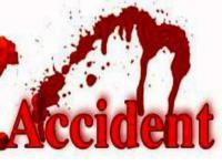 बाइक के डिवाइडर से टकराने से 2 युवक घायल