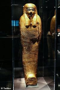 लूटा हुआ सुनहरा ताबूत मिस्र को लौटाएगा मेट्रोपोलिटन म्यूजियम