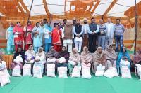 महाराज श्री परमदेवा जी की याद में करवाया छठा सहायता वितरण समारोह