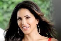 टॉपर रहने के बाद 'सनी लियोन' ने ट्वीट कर जताई खुशी