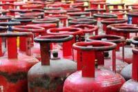 घरेलू सिलैंडरों से 2 से 4 किलो तक गैस चोरी, मिलीभगत से चल रहा गोरखधंधा