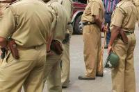 शर्मनाकः नशे में धुत पुलिसकर्मियों ने लेफ्टिनेंट कर्नल की पत्नी के साथ किया दुर्व्यवहार, सस्पेंड