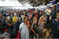 पाकिस्तान के हवाई क्षेत्र को बंद करने से हजारों लोग थाइलैंड में फंसे