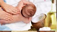 शिशु के लिए बेस्ट है नारियल तेल, जानिएं इसके 10 बड़े फायदे