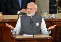 Video वायरल-छात्रा को बीच में रोक PM मोदी ने पूछा ऐसा सवाल, लोट-पोट हुए हजारों छात्र