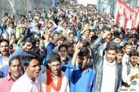 निजी स्कूलों की 'लूट' के खिलाफ एसएफआई ने दी आंदोलन की चेतावनी