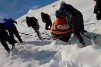 हैरतअंगेज वीडियो: दुनिया के सबसे ऊंचे गांव में जिंदगी की जद्दोजहद