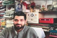 बारामूला में कश्मीरी पंडितों का व्यवसाय चलाने में मदद कर रहे मुसलमान