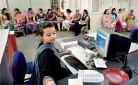 'नौकरी-पेशा महिलाओं की संख्या 2018 में घटकर 26 प्रतिशत'