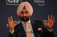 रैनबैक्सी विवाद, मालविन्द्र का आरोप बाबाजी ने रियल एस्टेट और बंगले में लगाया कंपनी का पैसा