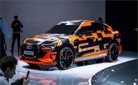 Audi ने जिनेवा मोटर शो में पेश की इलेक्ट्रिक एसयूवी, जानें इसमें क्या है खास